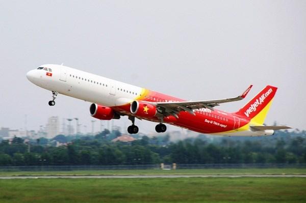 越捷开始出售富国至中国香港航线的机票 hinh anh 1