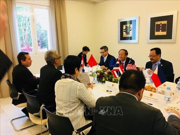 越南驻意大利大使馆担任马德里东盟委员会轮值主席国一职 hinh anh 2