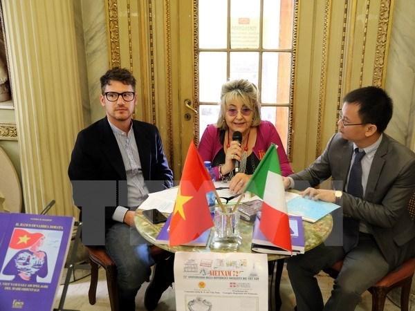 越南咖啡文化空间将在意大利都灵市成立 hinh anh 1