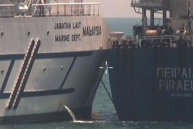 马来西亚轮船与希腊轮船相撞 hinh anh 1