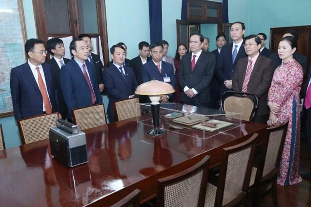 深情缅怀越南民族伟大领袖--胡志明主席 hinh anh 2