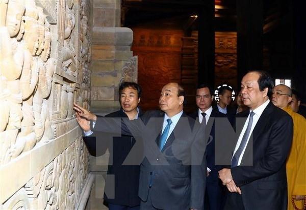 政府总理亲自检查2019年卫塞节的准备工作 hinh anh 1