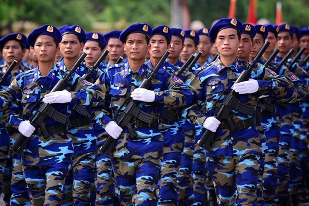 越南政府总理颁布《海警法》和《人民公安法》实施计划 hinh anh 1