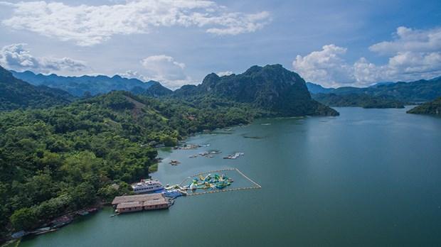 和平省采取措施把和平水库旅游区的潜力充分发挥出来 hinh anh 1