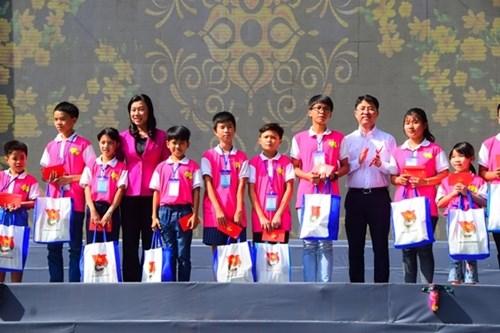 胡志明市拨出1.54万亿越南盾展开2019年己亥春节社会保障项目 hinh anh 1