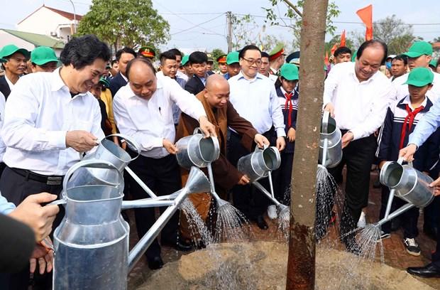 阮春福总理:打造四季花开、清洁优美的首都河内 hinh anh 2