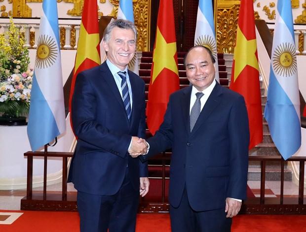阮春福总理会见阿根廷总统马克里 hinh anh 1