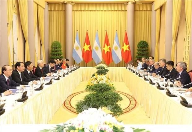 越共中央总书记、国家主席阮富仲与阿根廷总统马克里进行会谈 hinh anh 1
