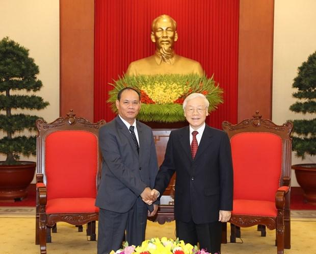 越共中央总书记、国家主席阮富仲会见老挝国家安全部高级代表团 hinh anh 1