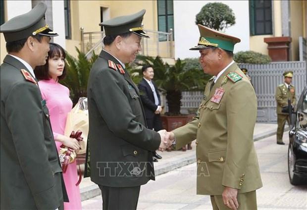 加强越老两国公安部的合作 hinh anh 1