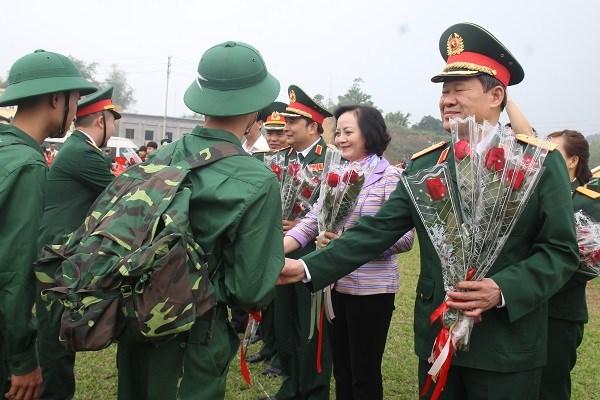 越南安沛省举行2019年度新兵入伍欢送仪式 hinh anh 1
