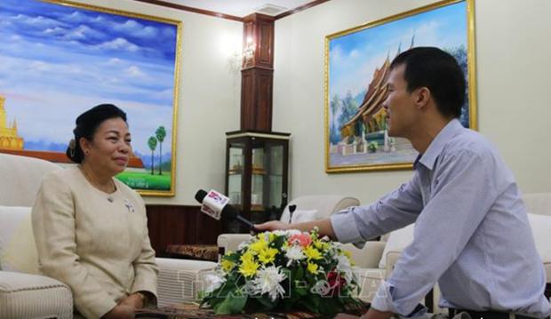老挝人民革命党中央对外联络部长:越老特殊团结关系将不断向前发展 hinh anh 1