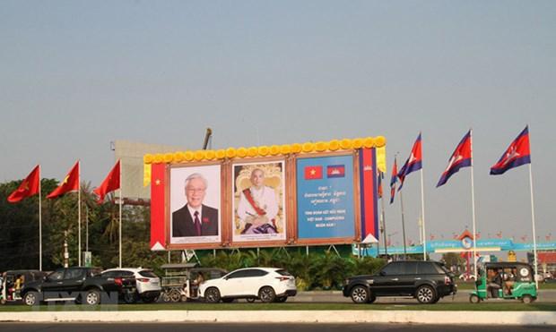 越共中央总书记、国家主席阮富仲圆满结束对老挝的正式友好访问和对柬埔寨的国事访问 hinh anh 1