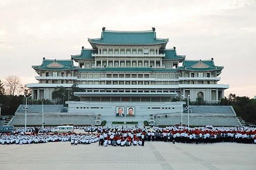 金正恩对越南进行正式友好访问:为出行朝鲜的游客提供优惠 hinh anh 1