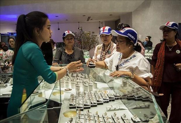 柬埔寨妇女和平发展协会代表团造访富国岛 hinh anh 1