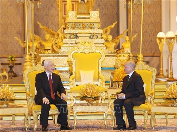 阮富仲访柬:两国发表联合声明 hinh anh 1