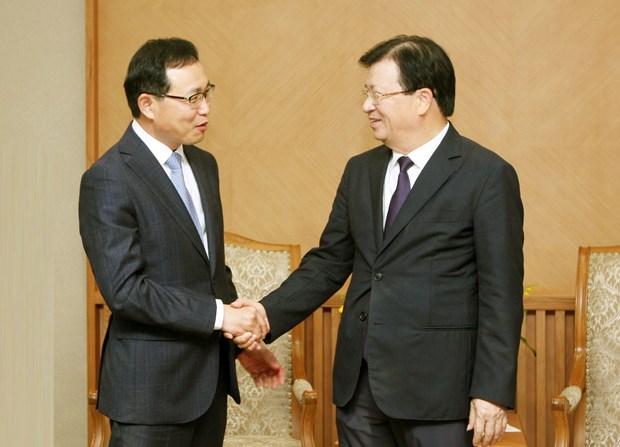 郑廷勇副总理会见韩国三星集团(越南)总裁 hinh anh 2