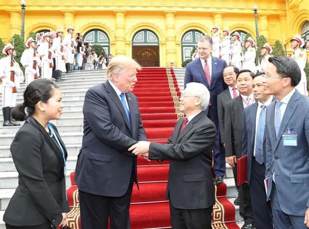 越共中央总书记、国家主席阮富仲与美国总统特朗普会谈 hinh anh 1