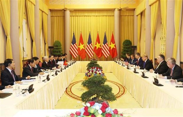 越共中央总书记、国家主席阮富仲与美国总统特朗普举行会谈 hinh anh 1