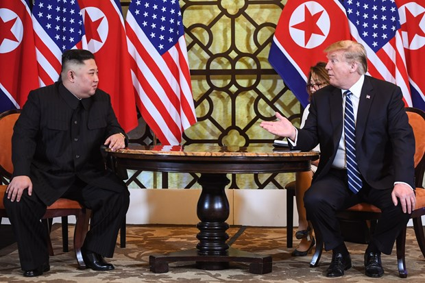 美朝领导人第二次会晤:美国总统特朗普与朝鲜领导人开始第二次会晤的第二个工作日 hinh anh 1