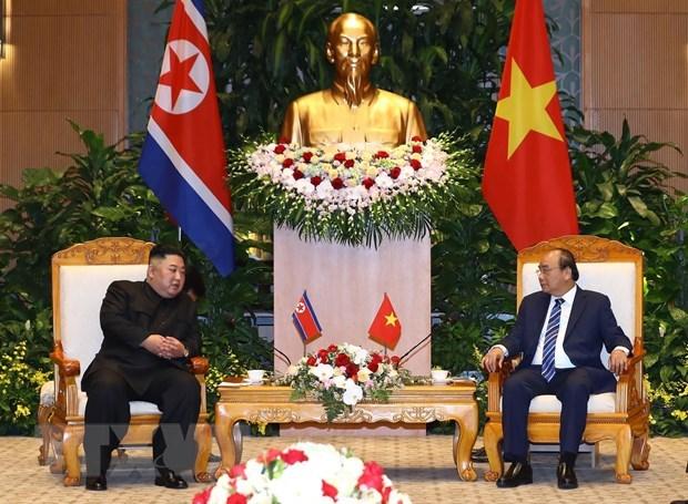 越南政府总理阮春福会见朝鲜最高领导人金正恩 hinh anh 1