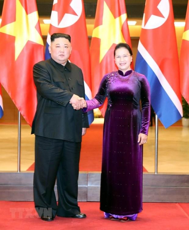 越南国会主席阮氏金银会见朝鲜最高领导人金正恩 hinh anh 1