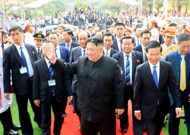 朝鲜最高领导人金正恩离开同登火车站 结束对越南进行正式友好访问 hinh anh 2
