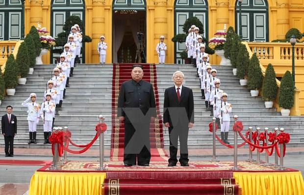日媒深度报道朝鲜最高领导人金正恩对越南进行的正式访问 hinh anh 1