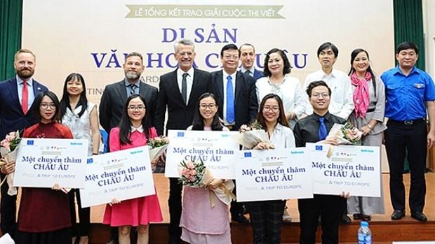 """五名越南学生在""""欧洲文化遗产""""写作比赛中荣获最高奖项 hinh anh 1"""