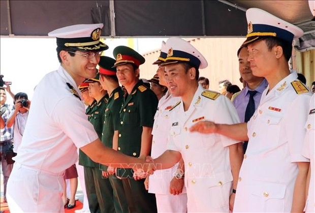 日本2艘训练舰访问越南岘港市 hinh anh 2
