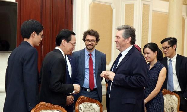 胡志明市加强与法国开发署的合作 hinh anh 1