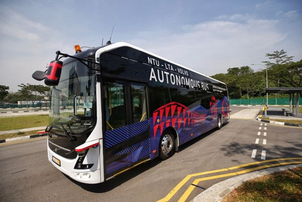 全球首批无人驾驶的大型公交车在新加坡测试 hinh anh 1