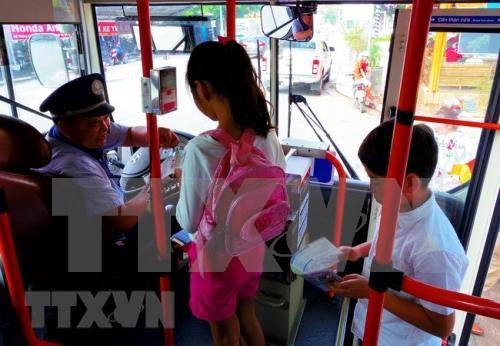 胡志明市试点使用智慧公交卡 hinh anh 2