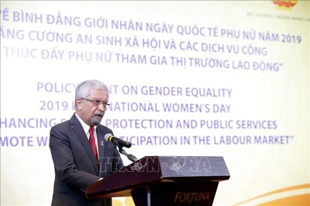 着力改善民生 提高公共服务水平 鼓励妇女积极参与劳务市场 hinh anh 2