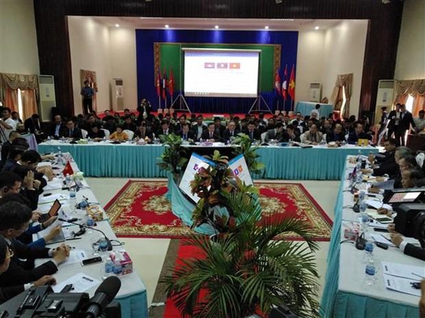 JCC CLV DTA会议框架下的高级官员会议在柬埔寨开幕 hinh anh 2