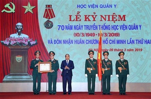 阮春福总理:军医学院应尽快达到国家重点院校标准 hinh anh 2