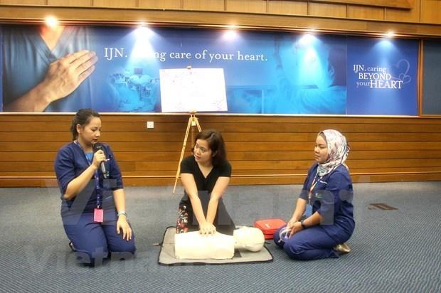 旅居马来西亚越南人接受免费的心血管疾病咨询 hinh anh 2