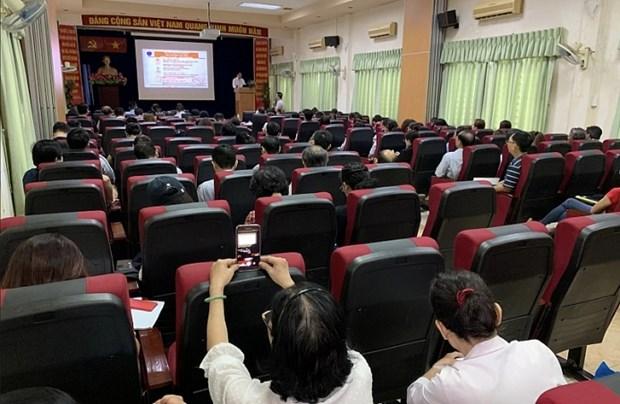 胡志明市帮助外国医生提高法律和专业知识 hinh anh 1