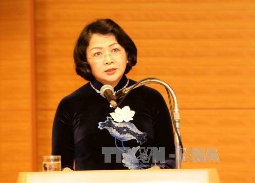 越南国家副主席邓氏玉盛在昆嵩省调研 hinh anh 1