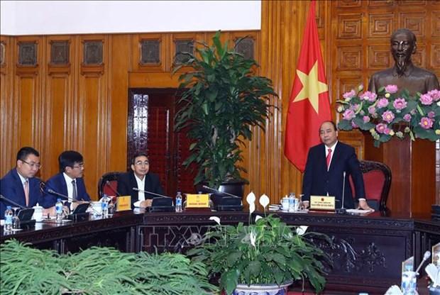 越南政府总理阮春福主持召开关于促进汽车行业发展的会议 hinh anh 1