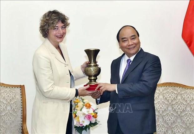 阮春福会见日本千叶县知事和荷兰新任驻越大使 hinh anh 2