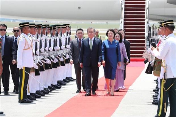 韩国总统访问马来西亚 进一步促进双边合作与交流 hinh anh 2
