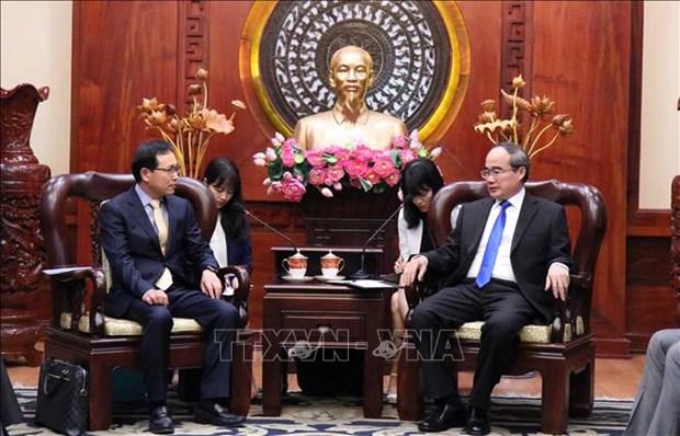 胡志明市市委书记会见韩国三星集团执行总裁 hinh anh 1