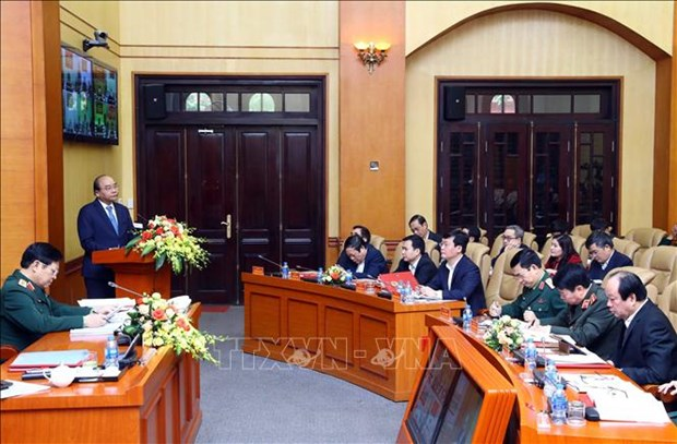 越南政府总理阮春福: 筑起新形势下坚固的警备区 hinh anh 1