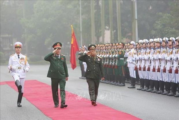 老挝人民军高级政治干部代表团对越南进行正式访问 hinh anh 1