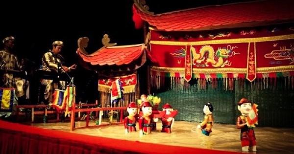 越南水木偶吸引外国游客 hinh anh 1