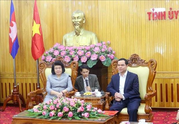 柬埔寨国会第二副主席宫桑达里探访河南省 hinh anh 1