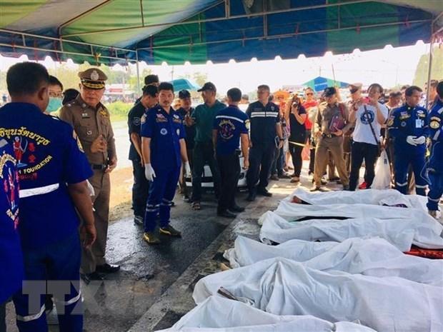 泰国西部发生重大交通事故 致5名越南人遇难 hinh anh 1