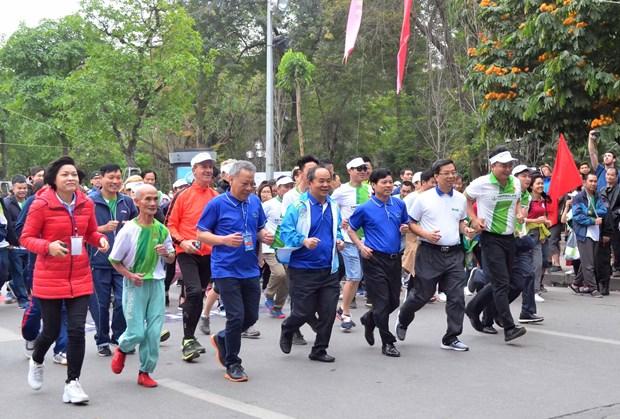 全民健身奥林匹克长跑日吸引8千人参加 hinh anh 1