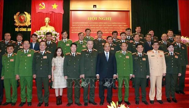 阮春福总理:公安力量要做到尊重群众、贴近群众、深入群众、对群众负责 hinh anh 1